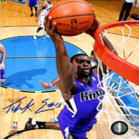 Tyreke Evans Autographed / Signed Slam Dunk 20x30 Photo