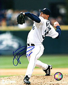 Joel Pineiro Autographed / Signed Pitching 8x10 Photo