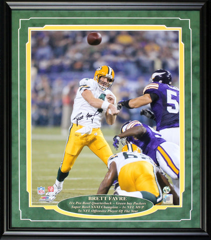 Brett Favre Autographed Framed 16x20 Photo