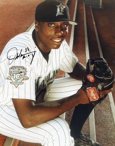 Dontrelle Willis Autographed 8x10 Photo