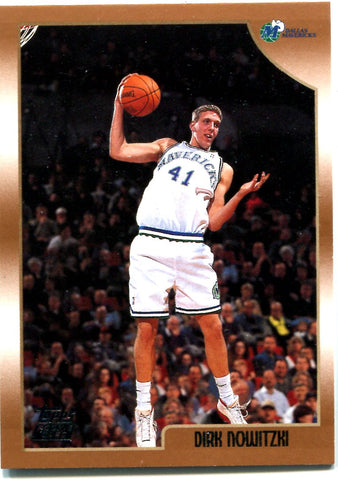 Dirk Nowitzki 1999 Topps Unsigned Rookie Card