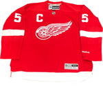 Nicklas Lidstrom Autographed Authentic Detroit Red Wings Jersey (JSA)