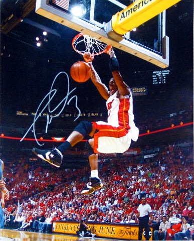 Dwyane Wade Autographed 16x20 Photo