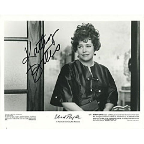 Kathy Bates Autographed/Signed 8x10 Photo