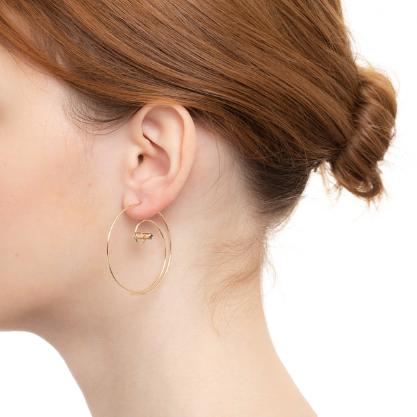 Coil Earring Diamond & Black Diamond