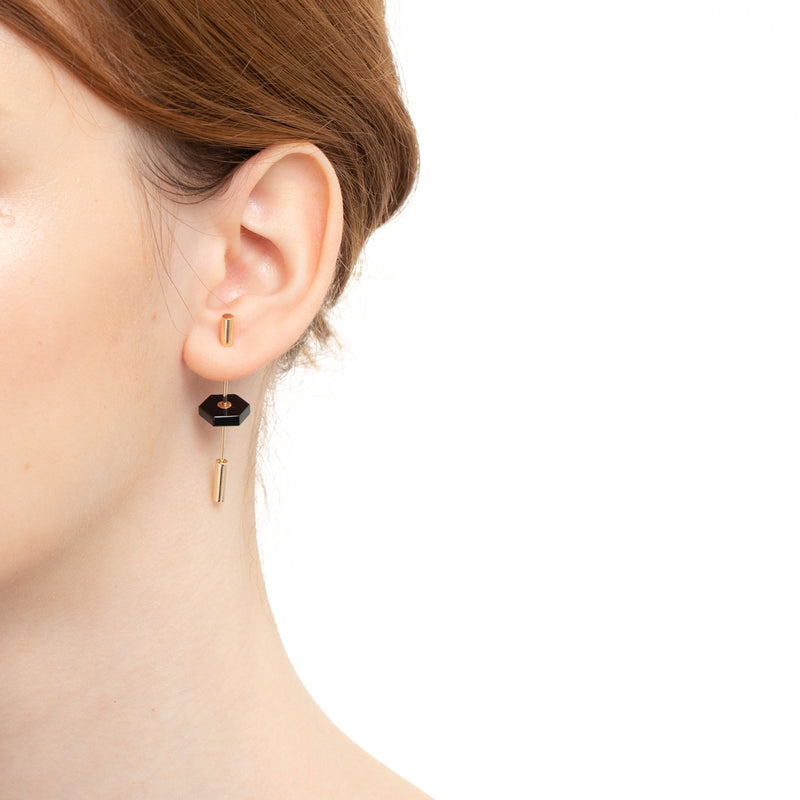 Short Spear Onyx Earring