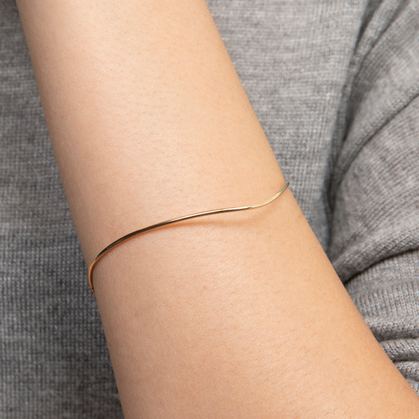 Pointed Oval Bangle