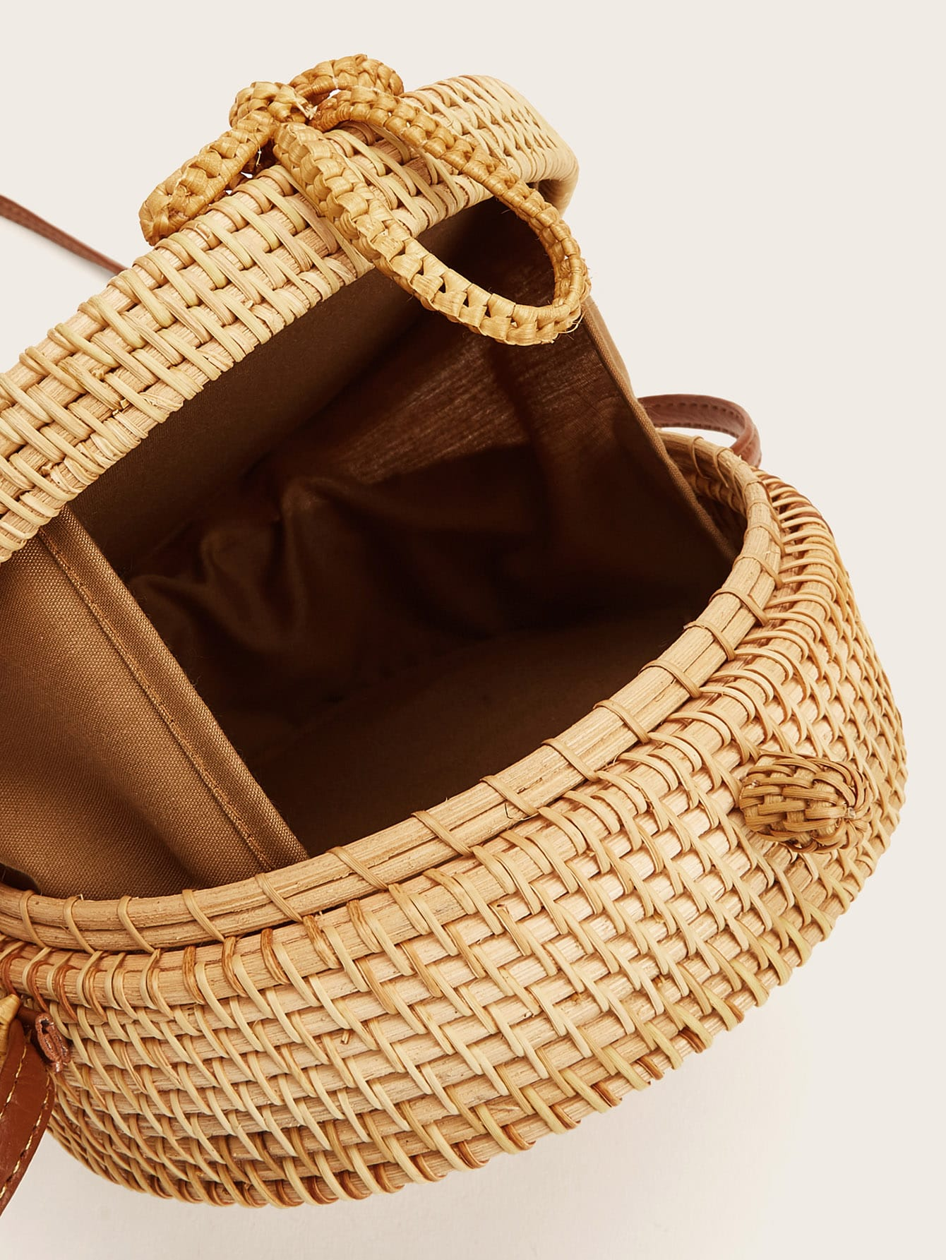 Straw Detail Round Crossbody Bag