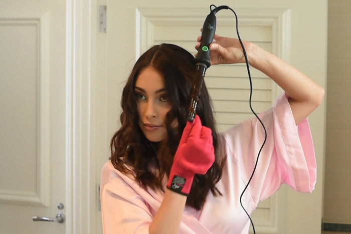The Bombshell Cone Clipless Curling Rod