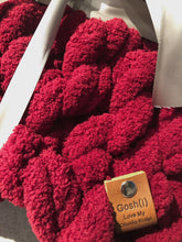 Load image into Gallery viewer, Chunky Knit Blanket in Cherry Red