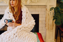 Load image into Gallery viewer, Chunky Knit Blanket in White