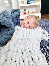 Load image into Gallery viewer, Chunky Knit Blanket in Light Gray