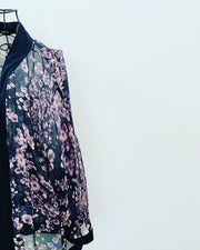 Pre-loved // SAMA & KIKI Sheer Floral Kimono // Best Suited To Sizes 20-22