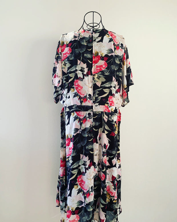 New // PAGANI 'Chiffon Floaty Sleeve Dress' // Size 18