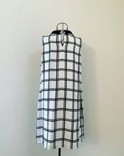 Preloved // Black & White Collared Dress // Best Suited To A Size 16