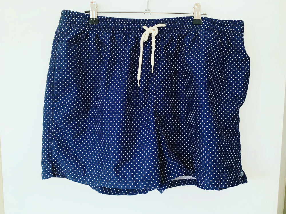 Preloved // Navy Shorts With Polka-Dots // Best Suited To Sizes 16-18