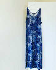 Preloved // SARA Blue & White Maxi-Dress // Size 22 (Best Suited To Sizes 18-20)