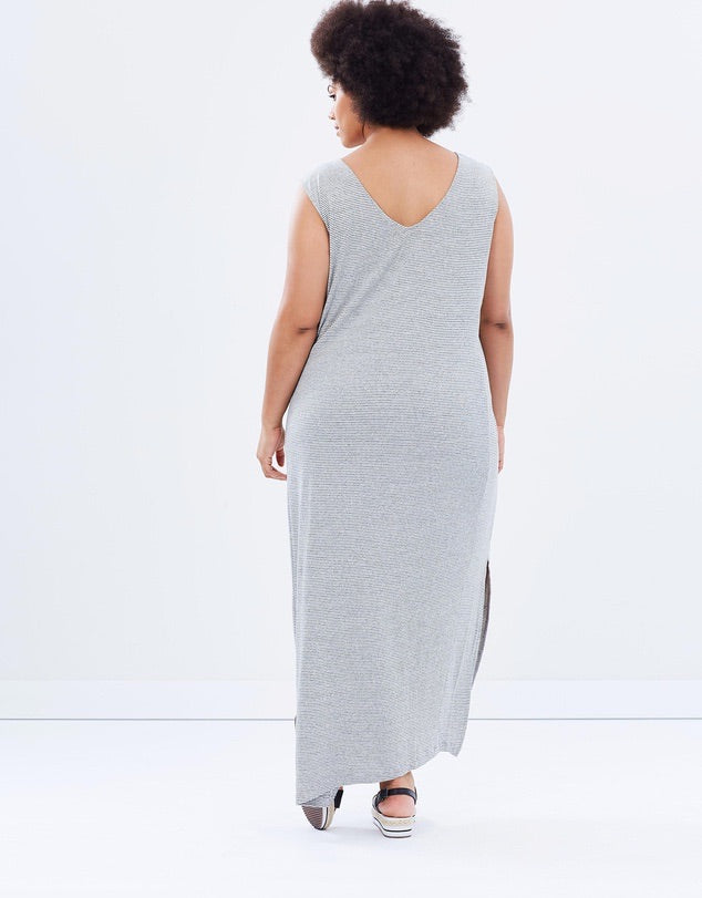 New // JUNAROSE 'Tasa Sleeveless Maxi-Dress' // Size 24/26