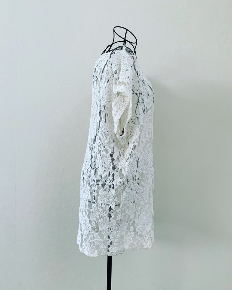 Preloved // White Lace Top // Best Suited To A Size 14