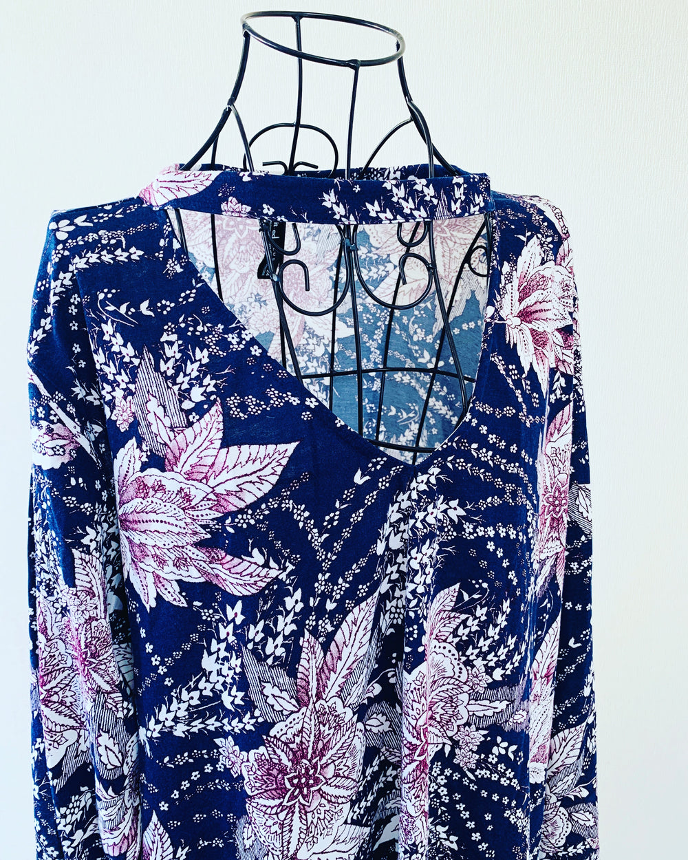 Preloved // ED IT ED PLUS Floral Top // Size 24
