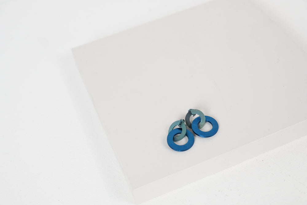 Looped Washer Studs
