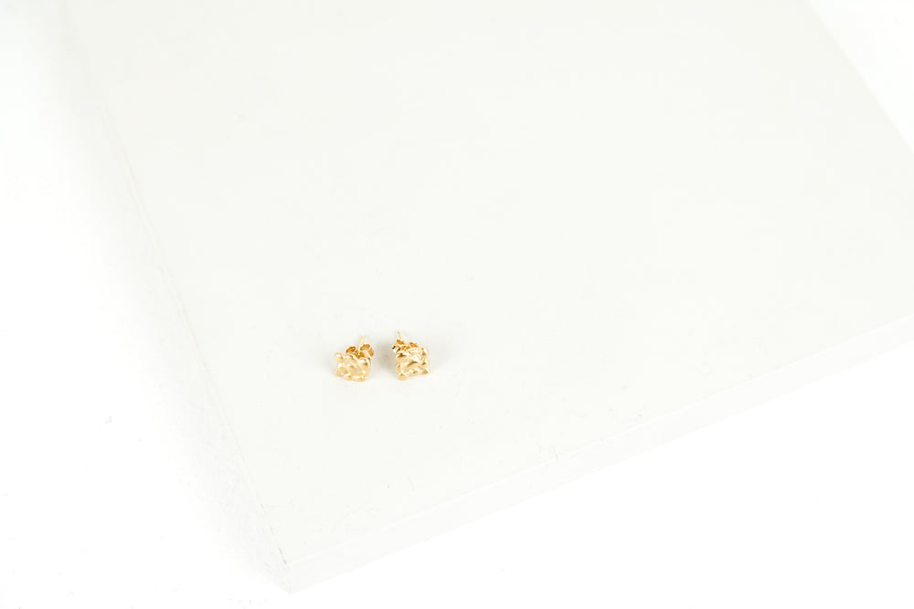Pebble Flower Stud Earrings