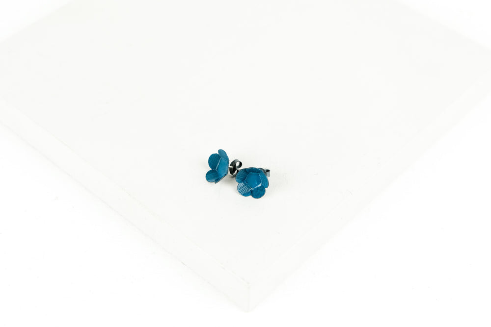 Medium Twiggy Weed Stud Earrings