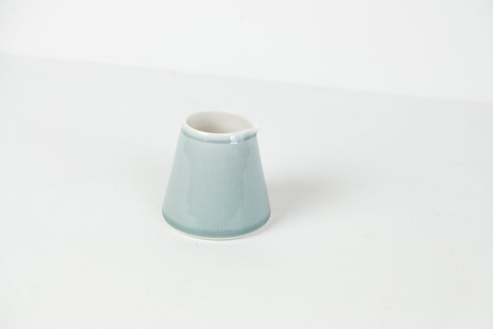 Porcelain Pourer