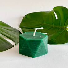 Load image into Gallery viewer, Bees wax 3D printed candle honey suckle and jasmine scented