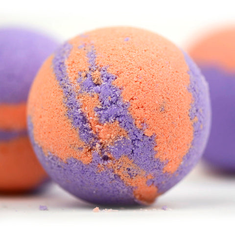 White Ginger & Amber Bath Bomb