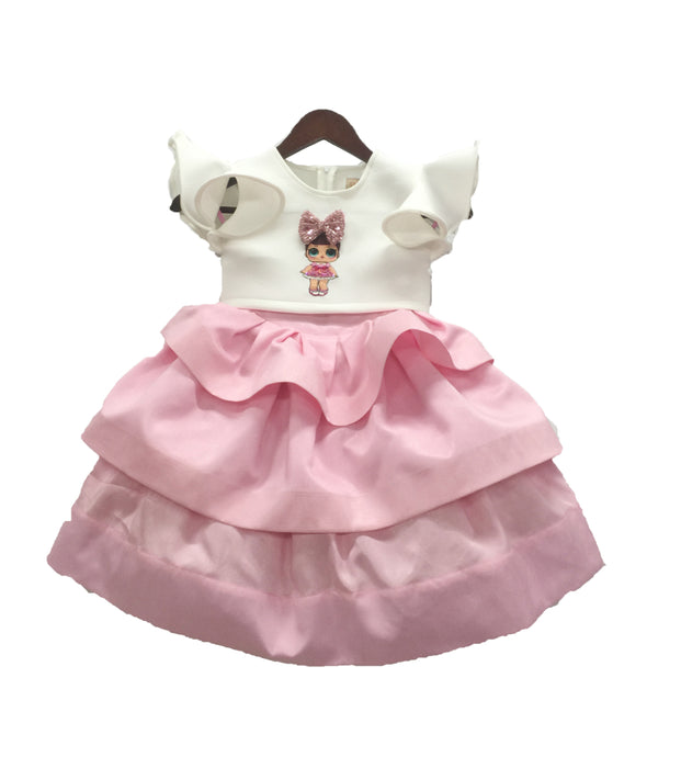 Girls Doll Emblem Crop Top With Baby Pink Skirt