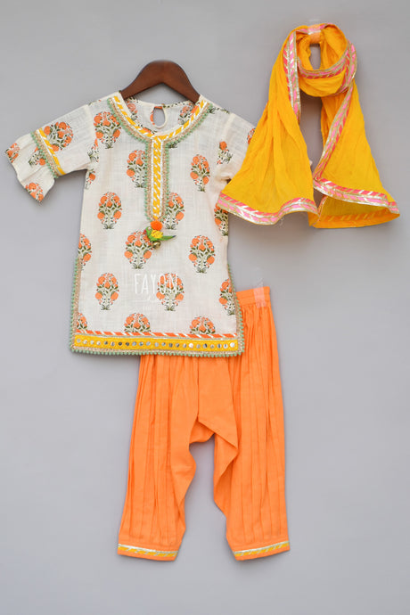 Girls Offwhite Printed Kurti With Orange Salwar
