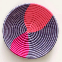 Load image into Gallery viewer, Fuchsia & Periwinkle Twist Abstract Plateau Bowl