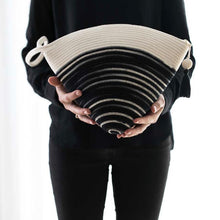 Load image into Gallery viewer, Handle Clutch Bag Black