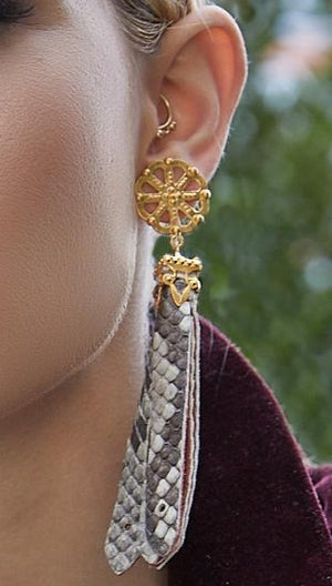 Load image into Gallery viewer, Novella Earrings - AmatoStyle