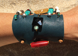 Load image into Gallery viewer, Danoma Mosaic Cuff in Teal - AmatoStyle