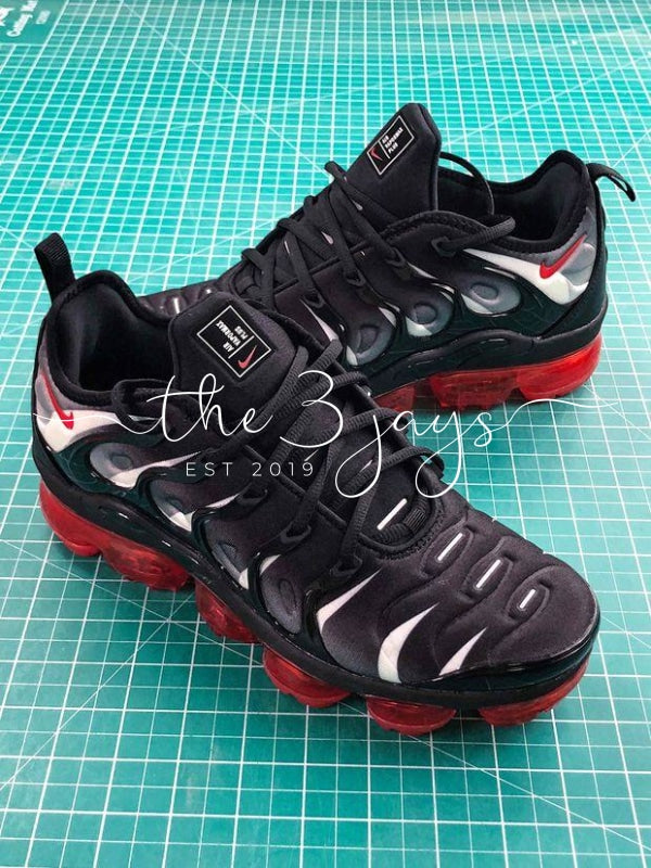 "Nike Air VaporMax Plus ""Red Shark Tooth"