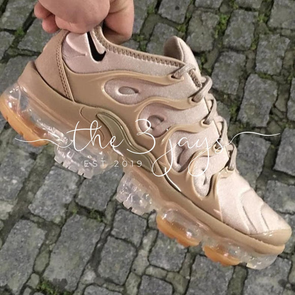 Vapormax Plus Petal Dust