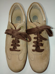 Women's Suede Rockport size 7 walking shoes gently used