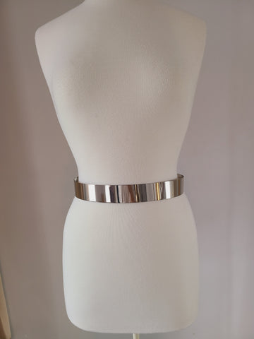 Solid metal belt