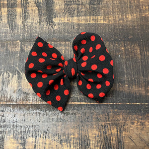 Black w/Red Polka Dot Bows