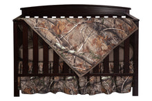 Load image into Gallery viewer, Realtree AP Camo Crib Set