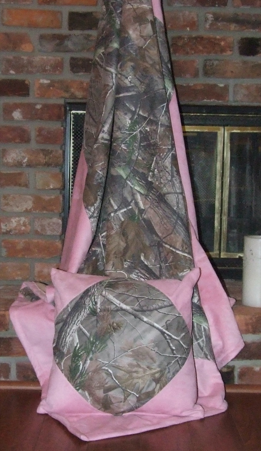 Realtree AP® Throw with Pink Corners