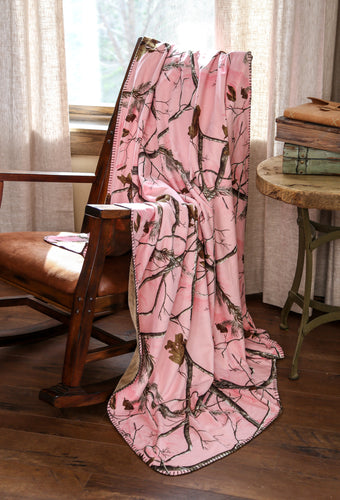 Realtree AP® Pink Throw