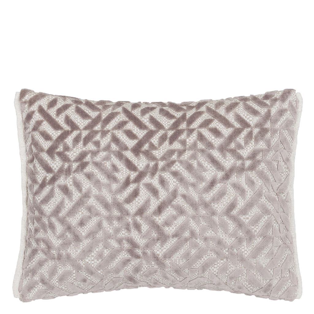 Dufrene Quartz Cushion