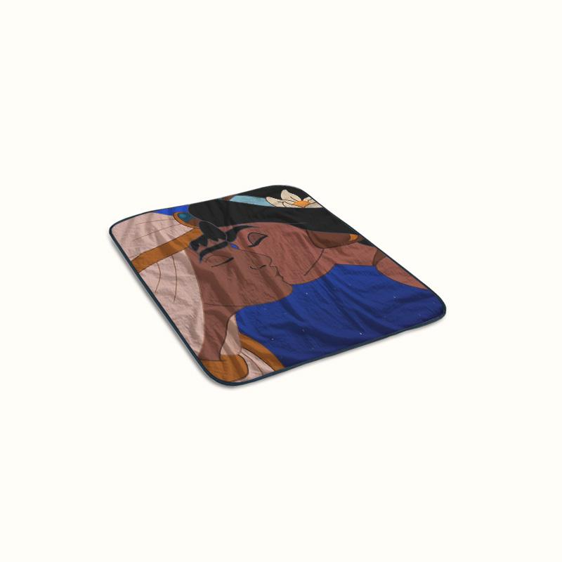 Aladdin and Jasmine Kissing Fleece Blanket