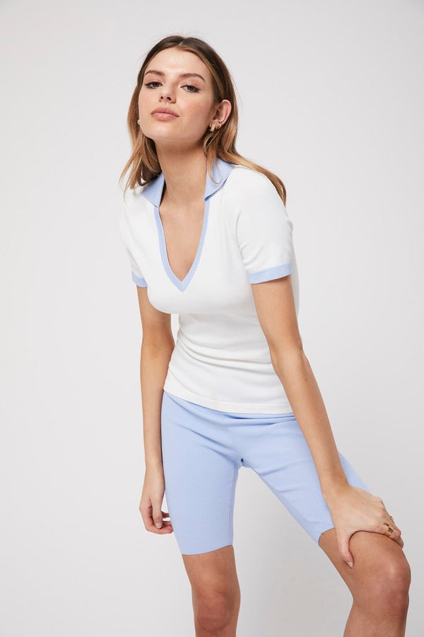 The collar tee, white/baby blue