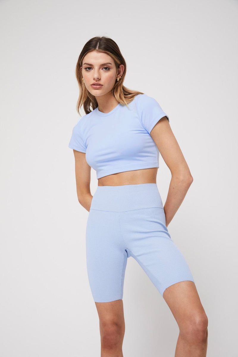 The crop tee, baby blue