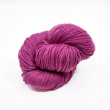 Load image into Gallery viewer, Elitespun Aurora 100% Merino Superwash Yarn (Fingering)