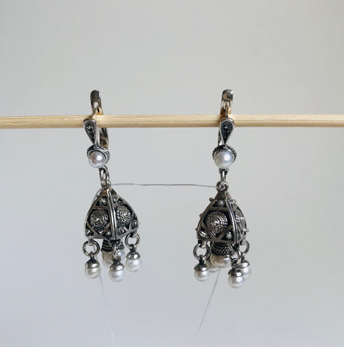 Silver filigree earrings with pearl drops
